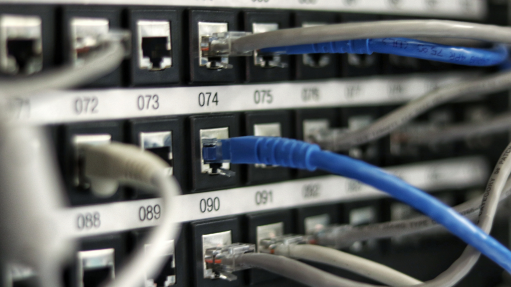 Why Your Business Needs to Invest in a Virtual Data Centre